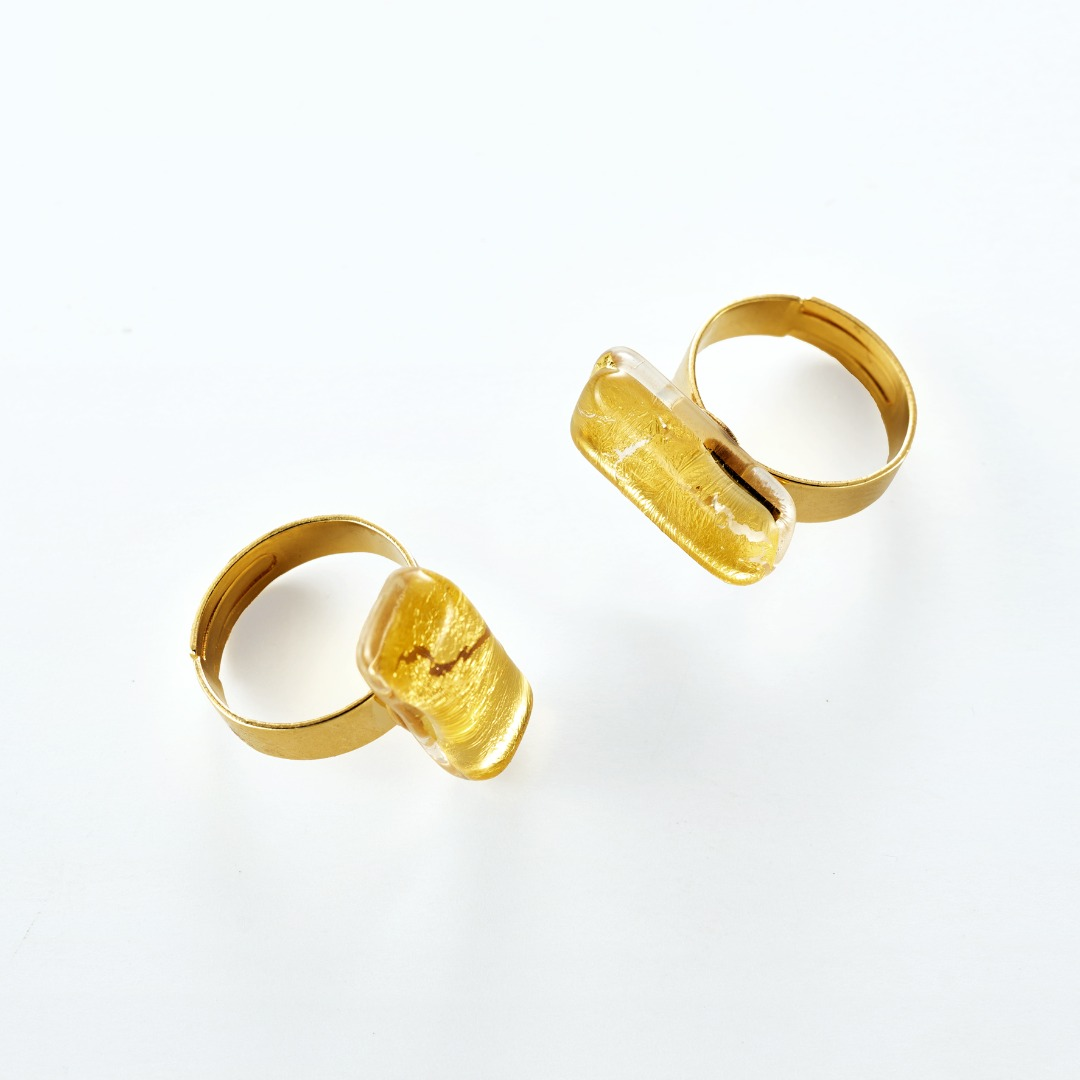 Murano glass ring with gold leaf